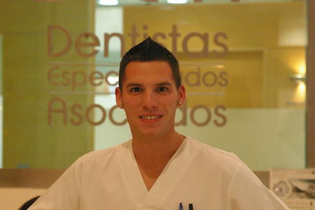 David-Urenden-Díaz-Auxiliar-de-clínica